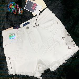 NWT Angel Kiss Distressed Jean Shorts White Size 7